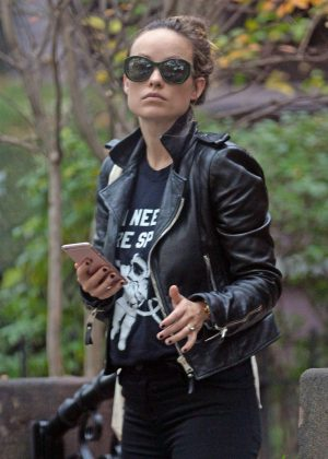 Olivia Wilde in Leather Jacket (1)