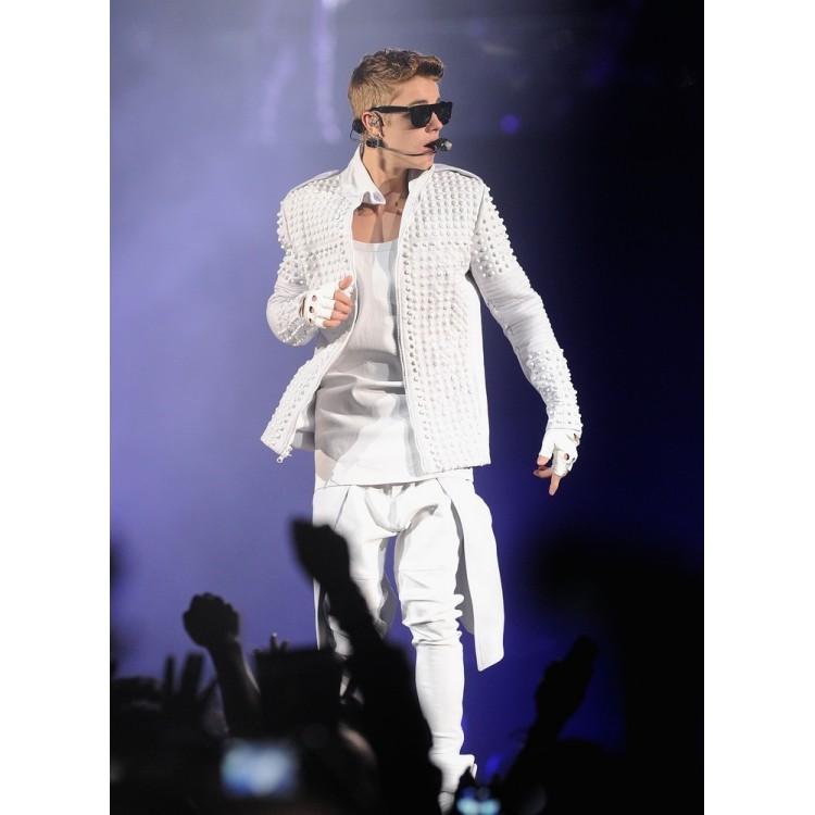 Believe Movie Weekend Justin Bieber's WhiteJacket (6)