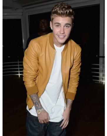 Justin-Bieber-Carvel-Festival-Jacket-364×464