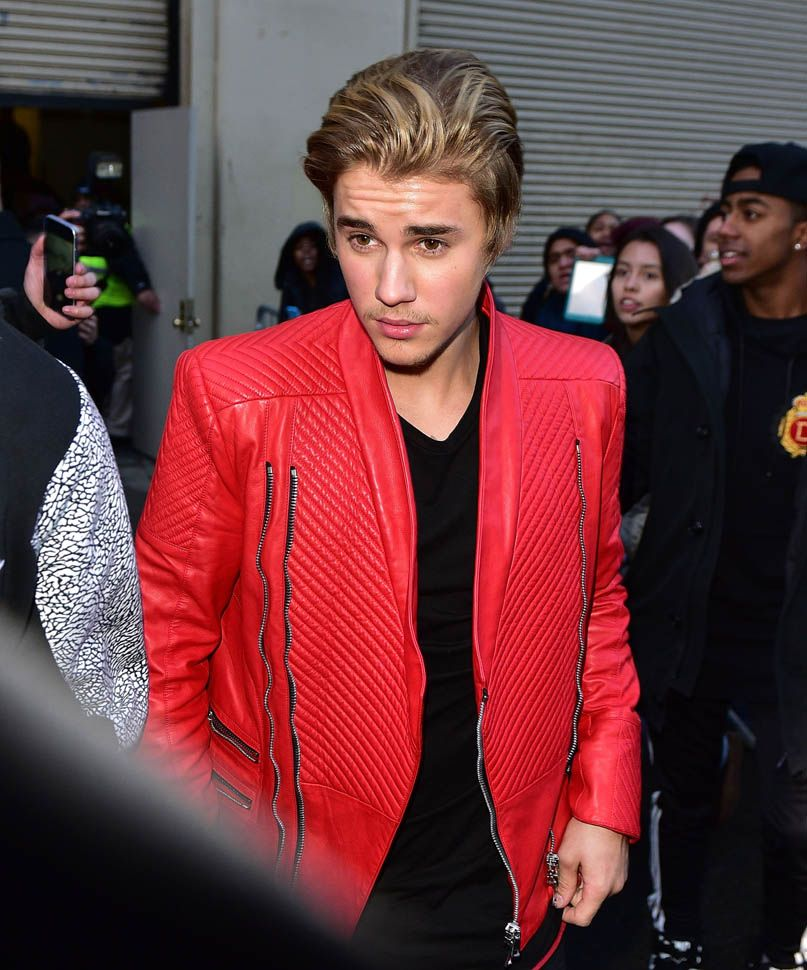justin-bieber-red-michael-jackson-thriller-leather-jacket-kanye-west-adidas-show